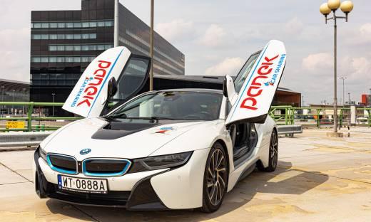 BMWi8 dostępne w ofercie wynajmu na minuty