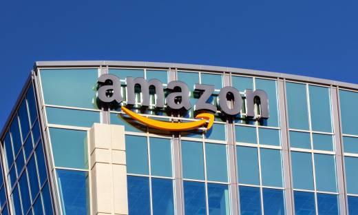 """Pracownicy zablokowali wrocławski magazyn Amazona. """"Firma dorobiła się na nas fortuny"""" [WIDEO]"""