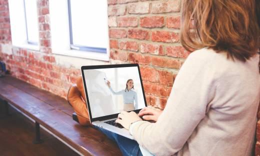 Biuro na dworcu, ogólnodostępne komputery. Tak wygląda przyszłość biznesu?