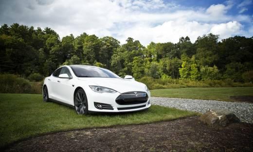 Tesla oficjalnie dostępna w Polsce. Samochód kupimy już za 200 tys. złotych