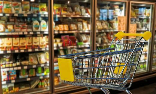 """Żywność w sklepach internetowych coraz droższa. """"Przed świętami będzie wiele akcji promocyjnych"""""""