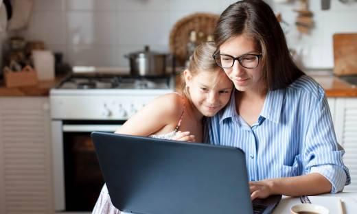 Sukces bez wyrzutów sumienia, czyli jakie korzyści płyną dla dziecka z tego, że jego mama pracuje