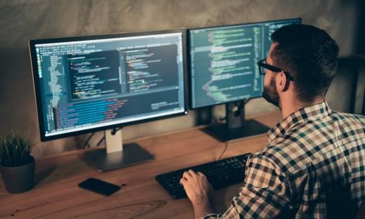 Ile zarabia programista? Raport z wizualizacjami na rok 2021