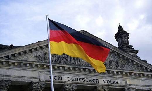 """Niemcy oczekują, że ministrowie zamkną swoje strony na Facebooku. """"Niezgodne z zasadami prywatności"""""""