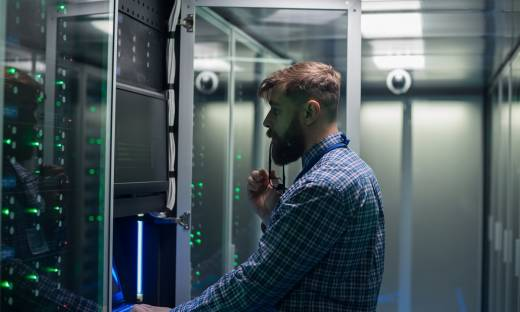 Nadciąga luka kompetencyjna na rynku IT. Branża baz danych będzie szukała specjalistów