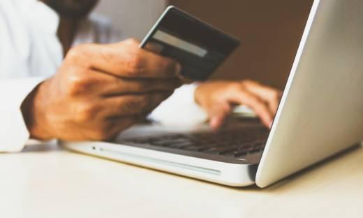 """Jak Polacy płacą za e-zakupy? """"Klienci cenią sobie przede wszystkim wygodę i szybkość"""""""