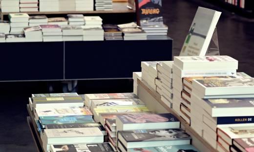 Zamykane księgarnie, wzrost popularności audiobooków. Rynek książki w czasie pandemii