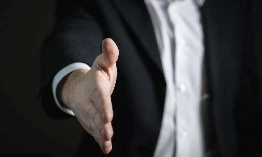 Handlowiec introwertyk - czy to możliwe? 4 metody sprzedaży dla introwertyków