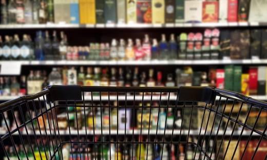 Więcej wydatków na restauracje, mniej na alkohol czy gaz. Zaglądamy w portfele Polaków