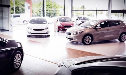 Sprzedaż aut wciąż na plusie