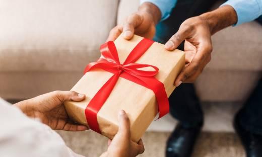 Ministerstwo Finansów otwiera się na zmianę limitu kwotowego prezentów o małej wartości