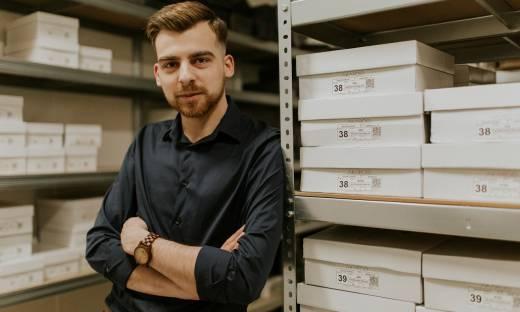 Rusza emisja akcji e-commerce z rzemieślniczym obuwiem. Akardo SA chce pozyskać ponad 1,6 mln zł