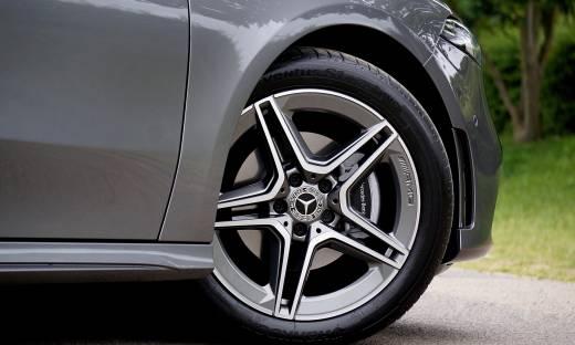 Zmiany na rynku automotive. Co trzeci przedsiębiorca chce kupić auto przez Internet