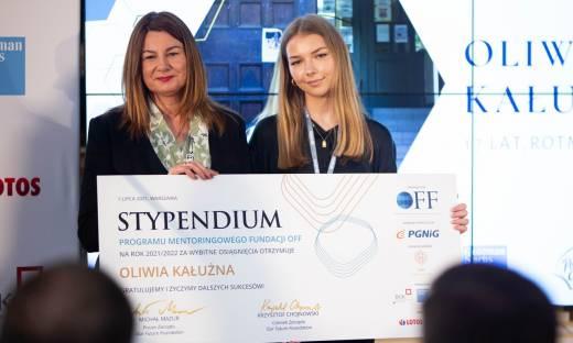 Wręczono stypendia Our Future Foundation 2021. Laureaci zyskają wsparcie doświadczonych mentorów