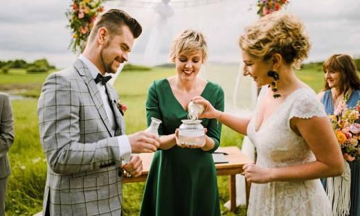 Ślub humanistyczny, czyli jak rozpędza się nowy biznes