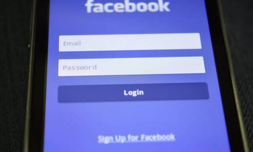 Facebook zbanuje Donalda Trumpa na 2 lata. Zmiany dla polityków