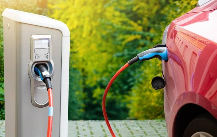 Połowa firm w Polsce chce uzupełnić flotę w auta elektryczne. Nadchodzi przełom na rynku?