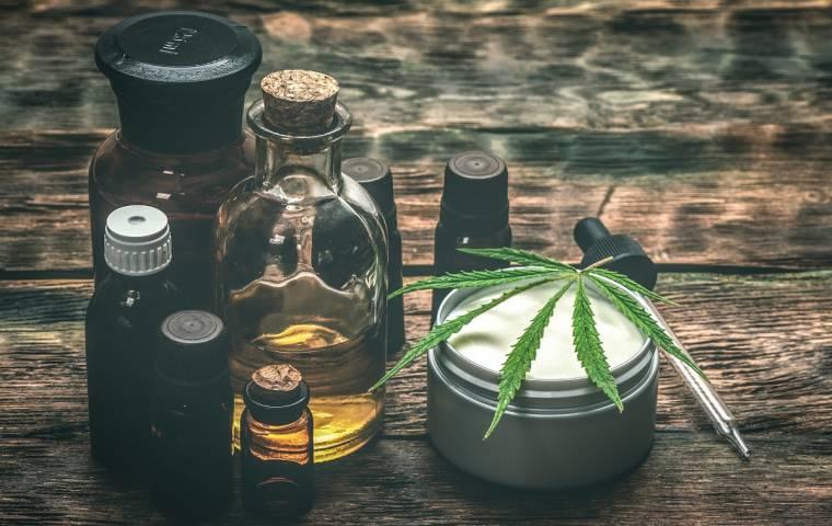 Europa luzuje przepisy dot. medycznej marihuany. W ślad za tym idzie biznes [WYWIAD]