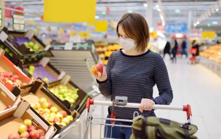 Polacy coraz bardziej skłonni do wydawania pieniędzy. Poprawiają się nastroje konsumenckie