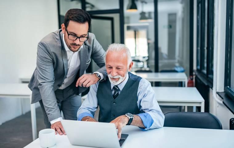 Jak zarządzać szefem? Nie warto się upierać przy swoim