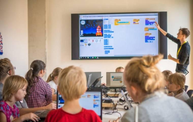 Zbiórka sprzętu IT do nauki online dla domów dziecka i placówek opiekuńczo-wychowawczych