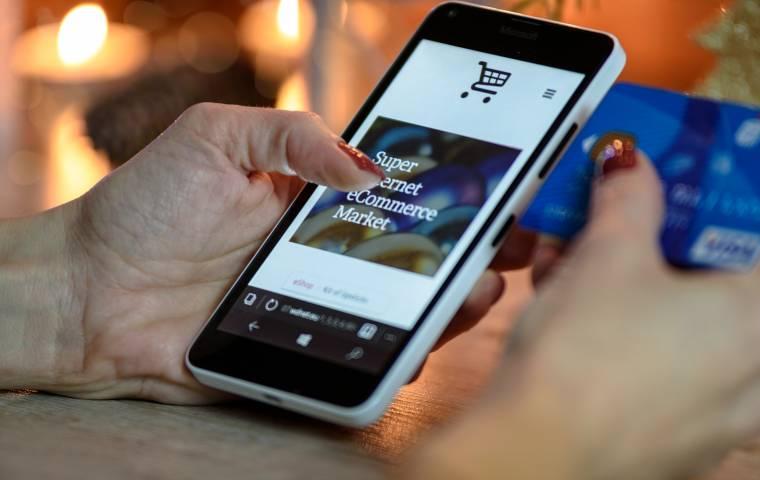 Jak zmieniły się nawyki konsumentów? Coraz chętniej kupujemy w zagranicznych e-sklepach