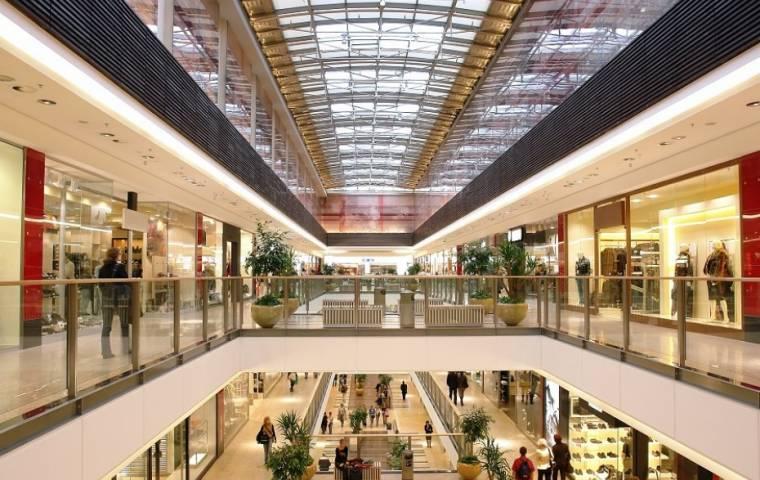 Zakaz handlu w niedziele nie wpłynął na odwiedzalność centrów handlowych