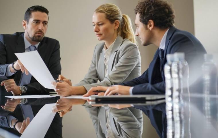 Jak renegocjować umowy z bankami, ubezpieczycielami czy firmami leasingowymi?