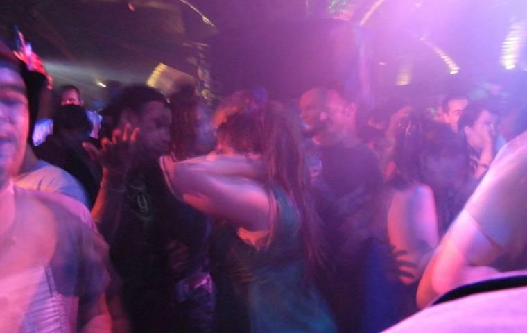 Imprezy w klubach wkrótce znów możliwe? Nowa aplikacja daje nadzieję fanom nocnego życia