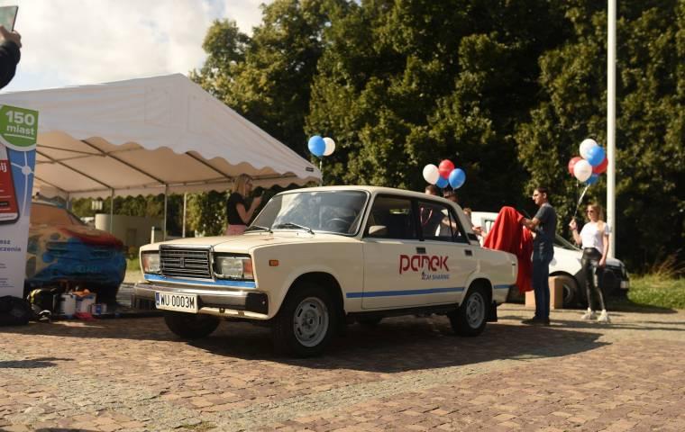 Kolejny zabytkowy samochód w ofercie PANEK CarSharing. To egzemplarz z 1991 roku