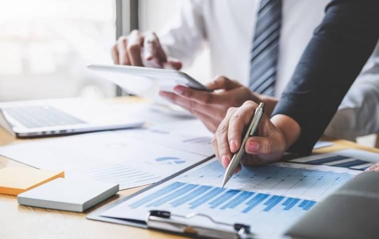 Barometr EFL: Firmy szykują się do inwestycji