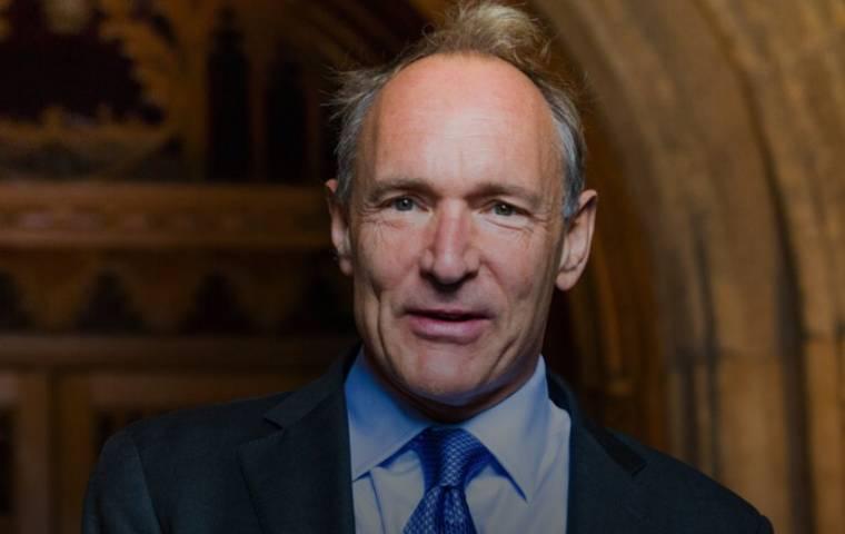 Tim Berners-Lee wystawi kod internetu na aukcji. Sprzeda go jako NFT