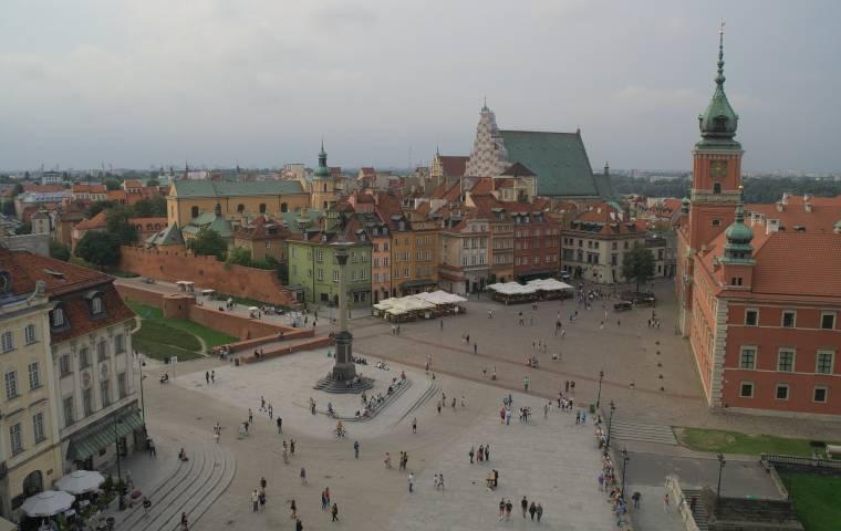 Zamknięte branże zapraszają do podpisania petycji na warszawskim Placu Zamkowym