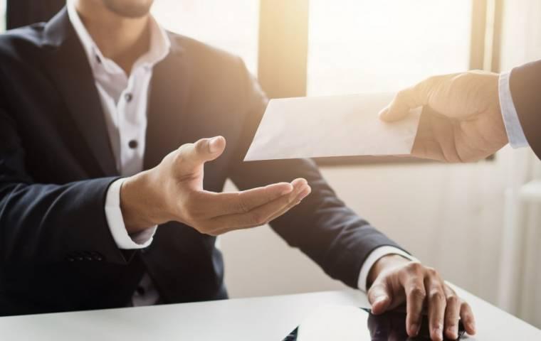 Nowe priorytety w płatnościach firm. Pracownicy pieniądze dostaną w pierwszej kolejności