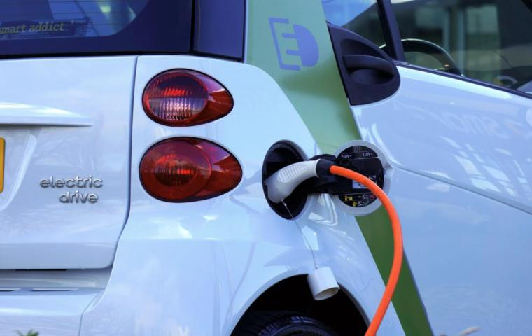 Holandia doskonale w elektromobilności. Ponad 70 tys. stacji ładowania dla elektryków