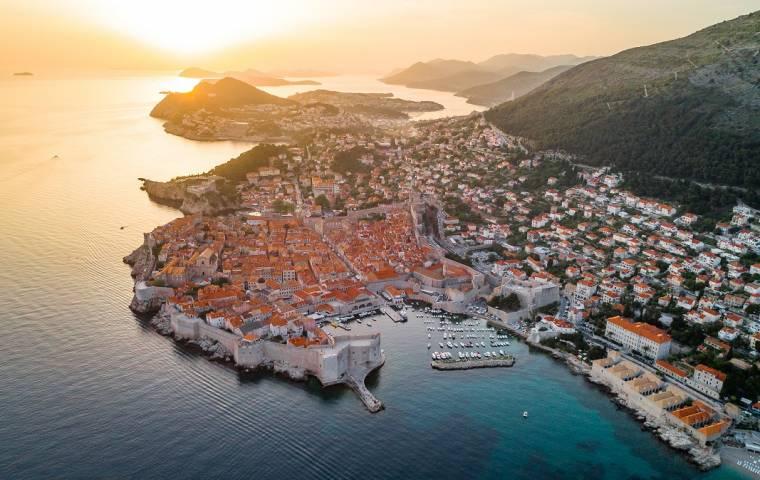 Ruszasz na wakacje? Oto aktualne zasady podróżowania do najpopularniejszych krajów dla turystów