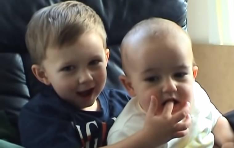 Amatorskie wideo Charlie Bit My Finger sprzedane jako NFT za 2,78 mln zł