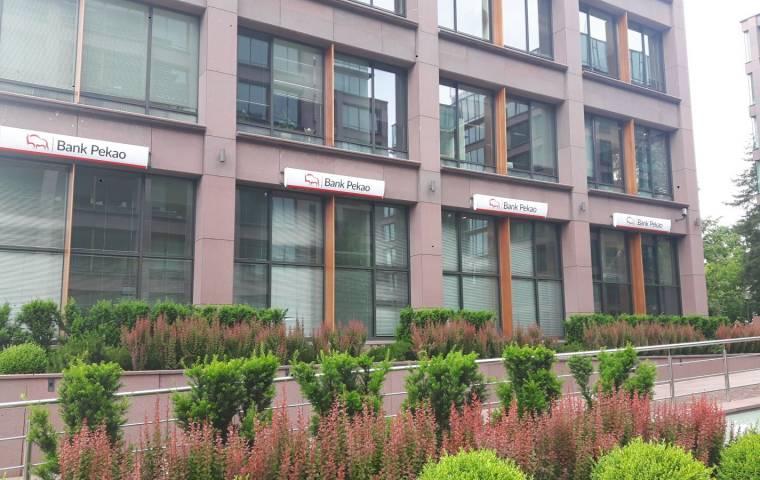 Bank Pekao sprzedaje dom inwestycyjny Xelion