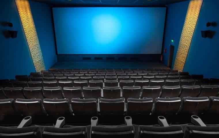 """Kryzys w branży filmowej. """"Kino po pandemii nie będzie takie samo"""" [WYWIAD]"""