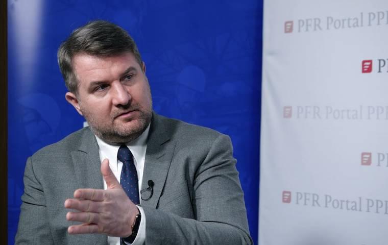 """Robert Zapotoczny, prezes PFR Portal PPK: """"Lepiej mieć oszczędności, niż ich nie mieć"""""""