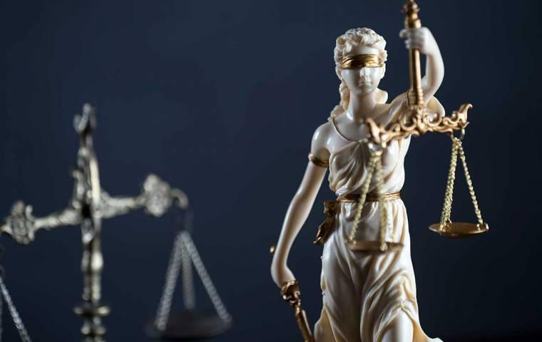 Jak blefować doskonale o prawie