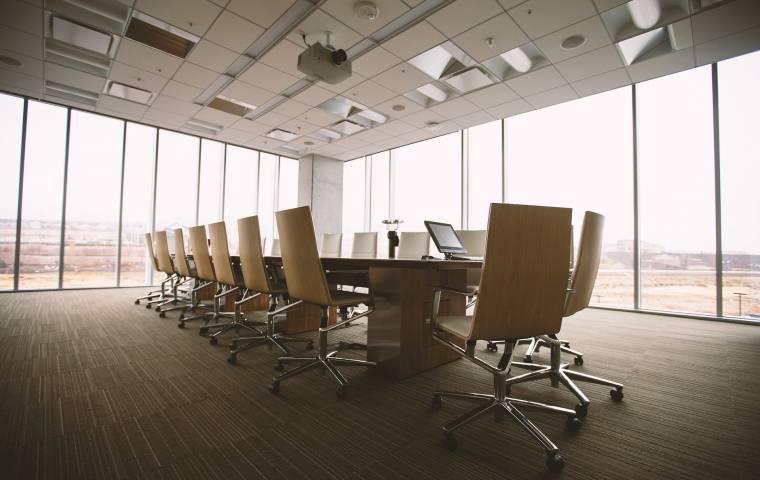 Jakie wyzwania stoją przed kadrą menedżerską? Nie tylko efektywna praca zdalna