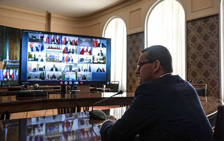 """Polski rząd chce uregulować Facebooka. """"Polska będzie bronić prawa do wolności słowa"""""""