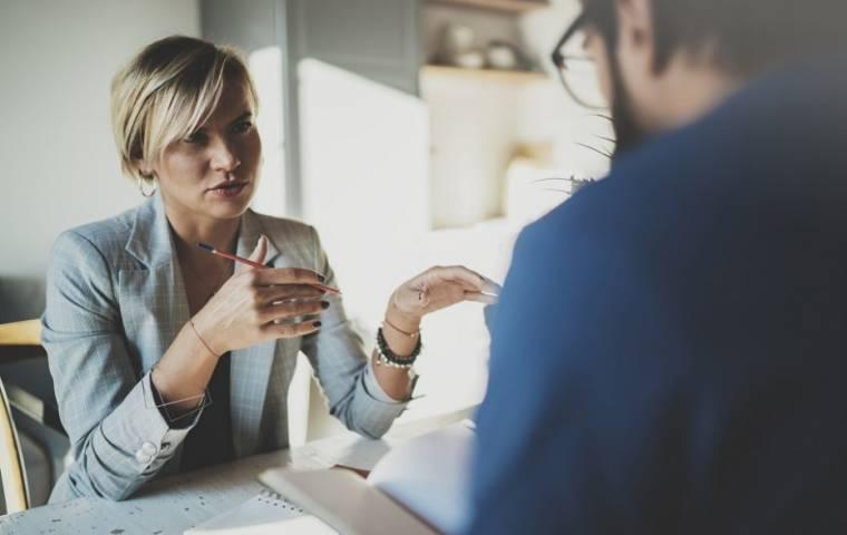 Coraz więcej kobiet w zarządach firm. Polska bez powodów do dumy