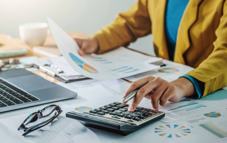 Jak uzyskać ulgi podatkowe i odroczenia płatności składek do ZUS? [PORADNIK]