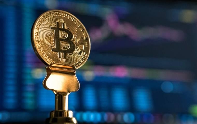 Bitcoin i Ethereum na nowo drożeją. Czy krach był sztuczny i wywołany przez miliarderów?