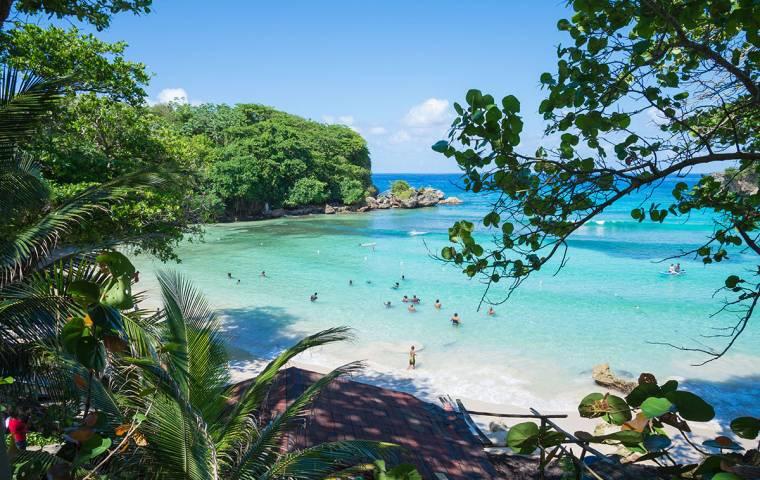 Hotel na Jamajce, podróże po buszu. Ci Polacy rzucili wszystko i robią biznes w tropikach