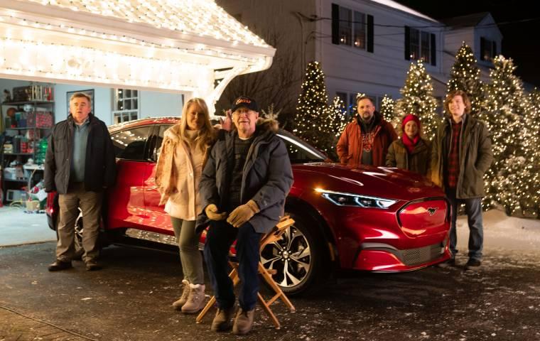 Wracają Griswoldowie! Ford reklamuje Mustanga i przerabia słynną świąteczną komedię