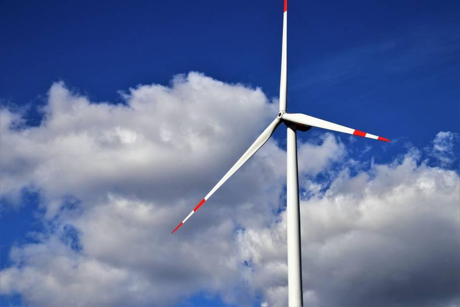 wiatrak, farma wiatrowa, elektrownia wiatrowa
