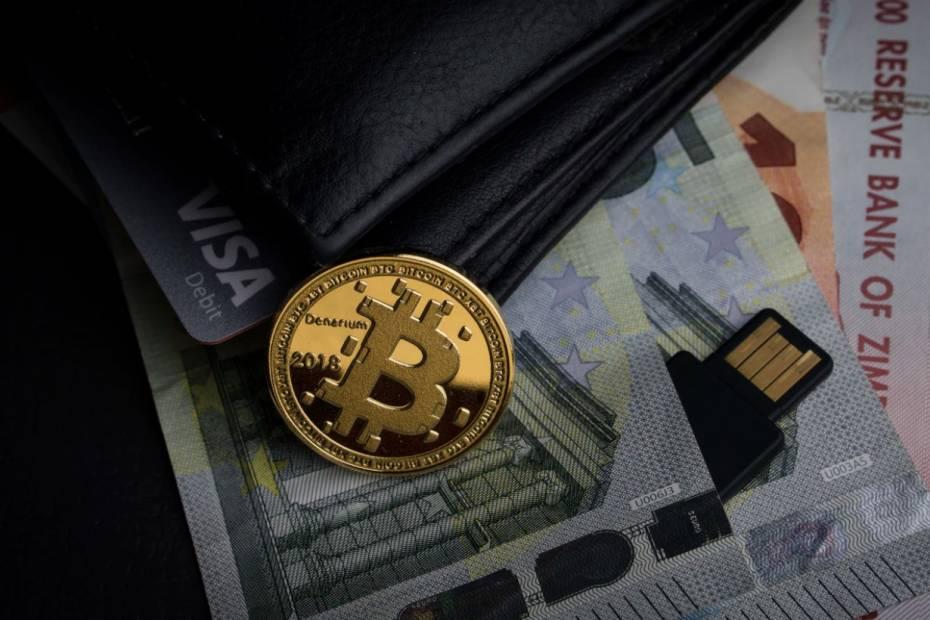 Bitcoin poniżej 30 tys. dolarów / Fot. Unsplash.co
